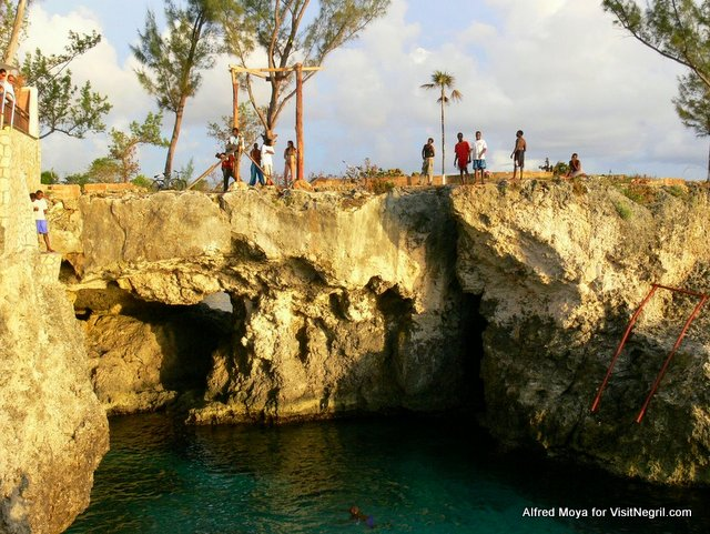 Cliff Diving at Ricks Cafe in Negril Jamaica